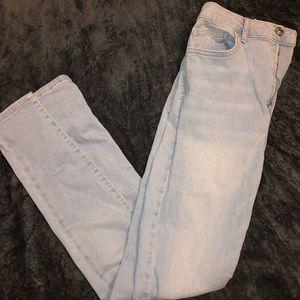 Forever 21 light wash skinny jeans